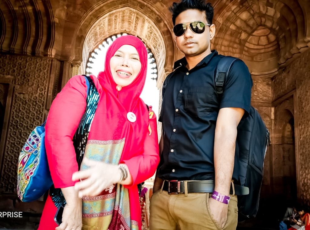 nazbul picture with Indonesia Girl